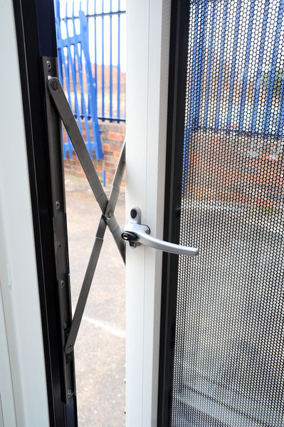 Parallel Hung Windows : Security windows anti vandal atb systems