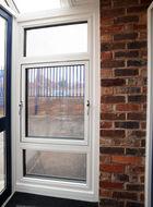 Aluminium parallel window closed